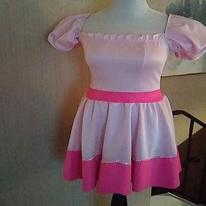 Princess peach dress super mario